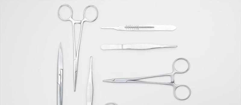 How to clean surgical instruments